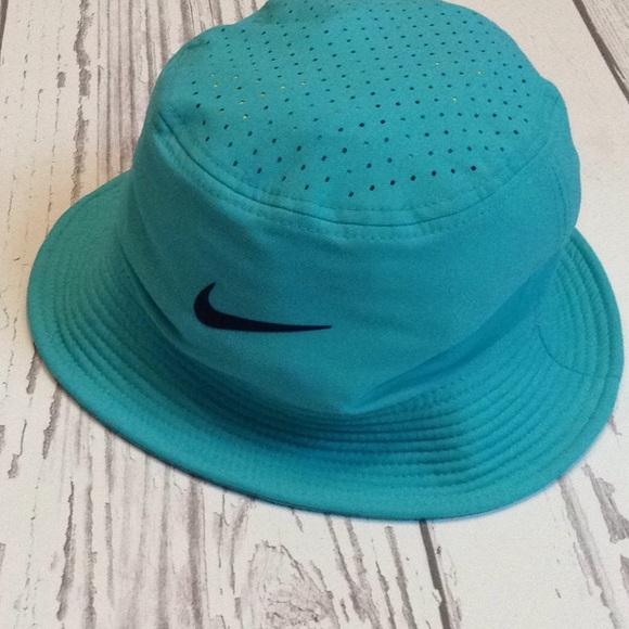 8240c33e174 Nike drip fit bucket hat. M 5b0f355f84b5cedd0d66ec6c